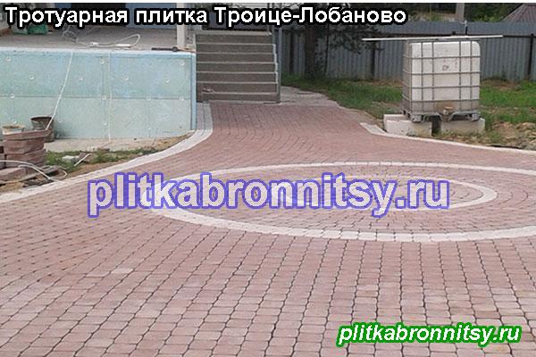 Круговая укладка тротуарной плитки Классика на даче в селе Троице-Лобаново Раменского района