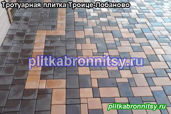 Укладка двухцветной (коричневый-розовый) тротуарной плитки Классика на даче в селе Троице-Лобаново Раменского района
